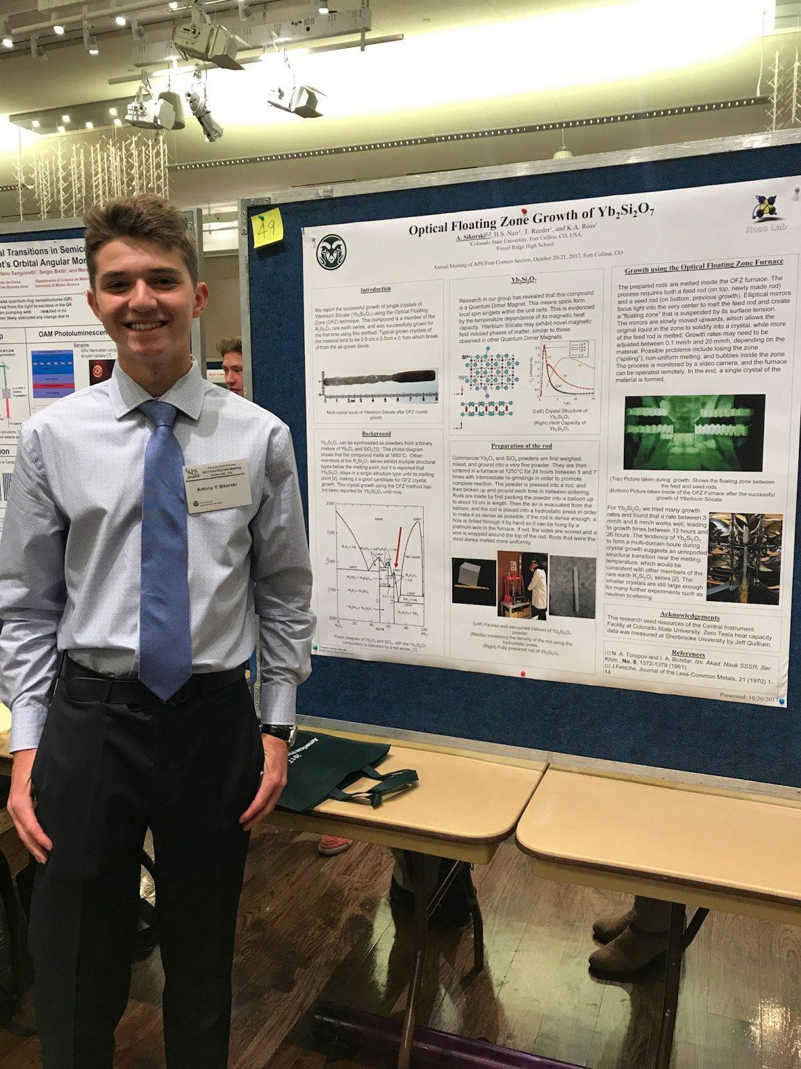 Antony gives poster presentation at APS